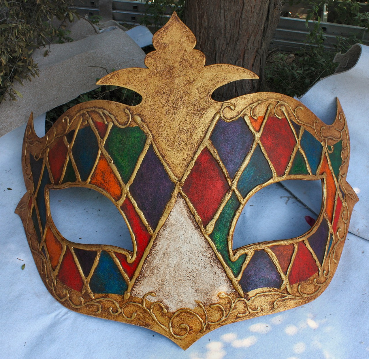 domino-display-mask-1